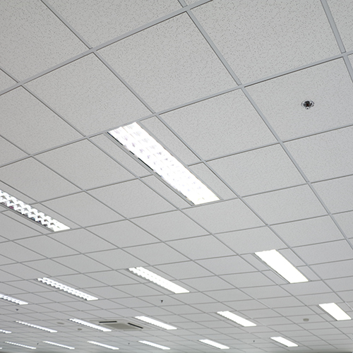Suspended ceiling with white ceiling tiles